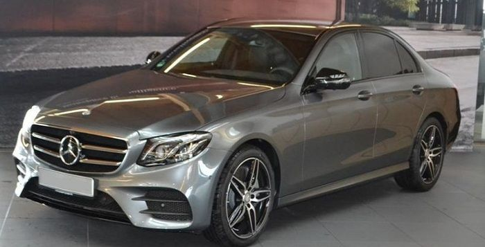 Mercedes-Benz E 350 d neues Model AMG HUD